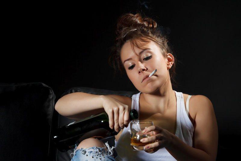 повышенный холестерин у женщин - курение и вино